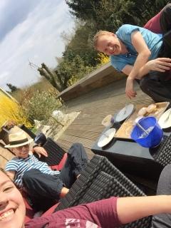 Ein Teil unserer Family. Matthias, Kim Melissa und ich mit Hut.